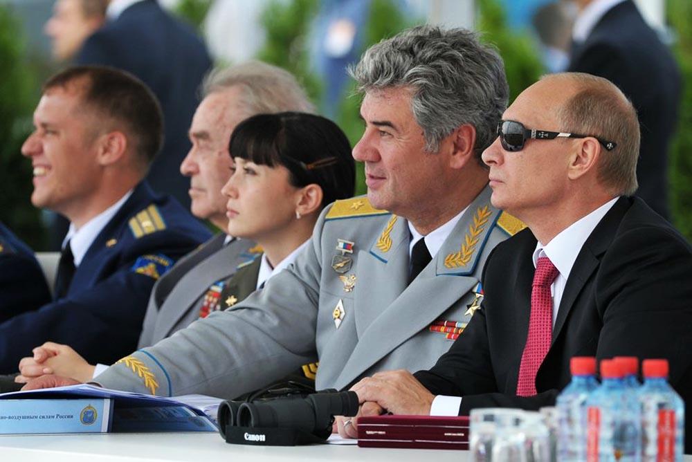 Путин запретил увольнять нуждающихся в жилье военных