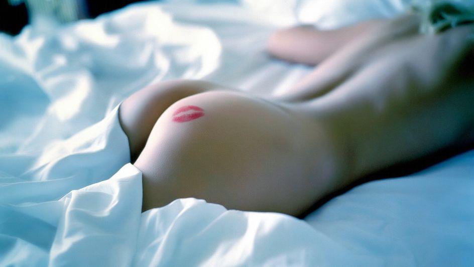 krasivie-eroticheskie-oboi-lyubov