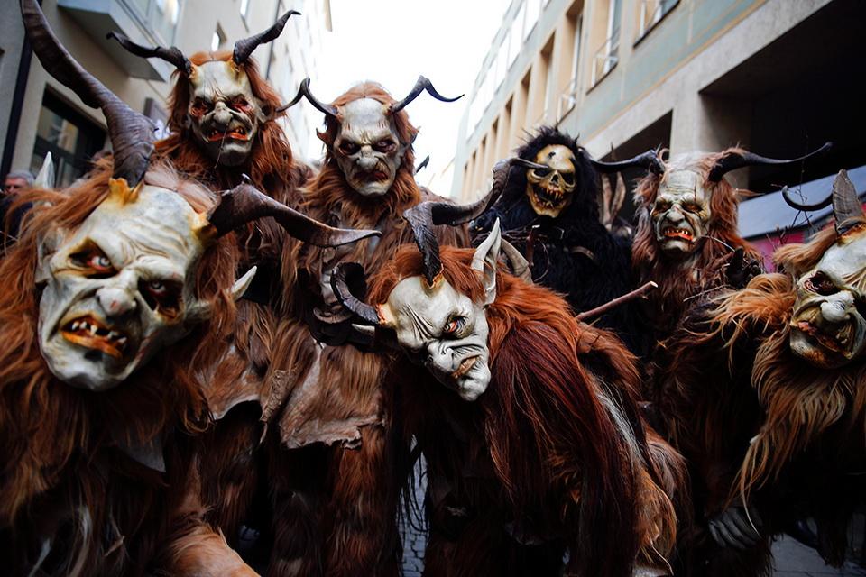 По улицам германии прошлись рождественские демоны