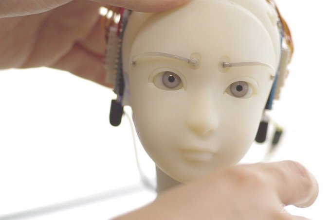 SEER научит вас правильно строить глазки (4 фото + видео)