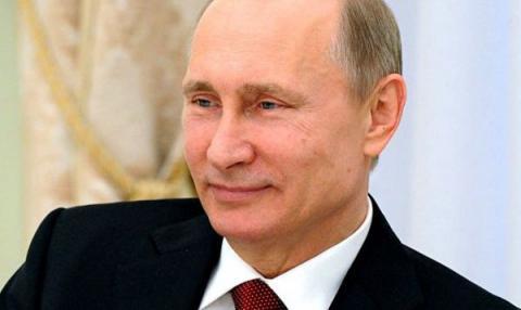 Почему улыбается Путин, если экономика тонет,