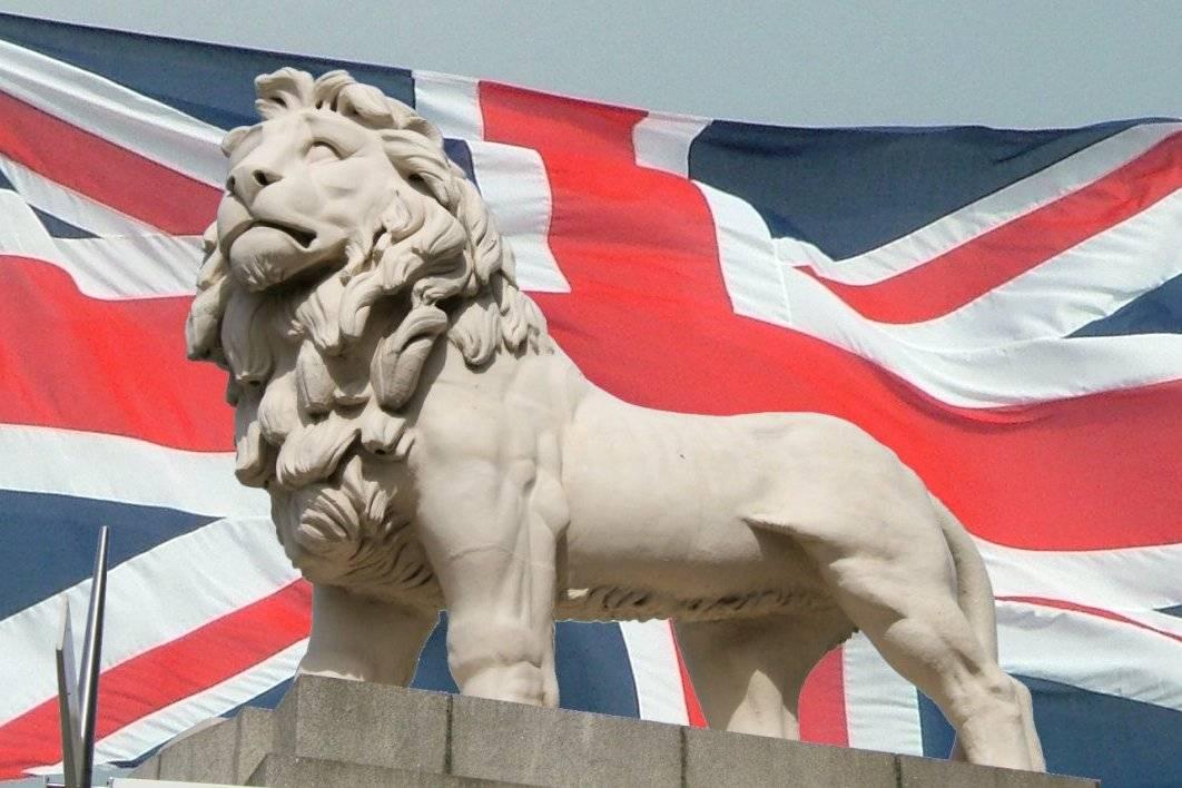Британский лев стал облезлой…