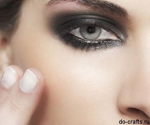 Как делать макияж глаз9
