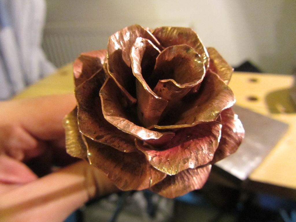 Как сделать розу из метала