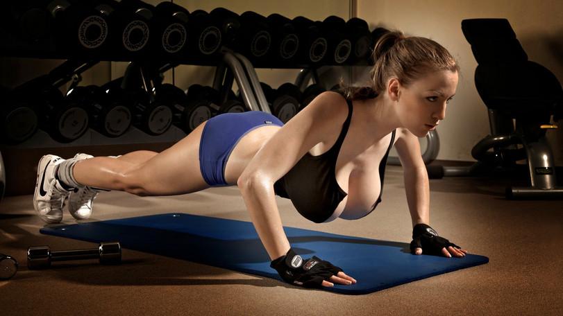 sportivnie-golie-tela