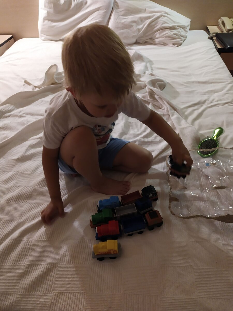 Когда сын пошел на поправку - он не сидел на месте.