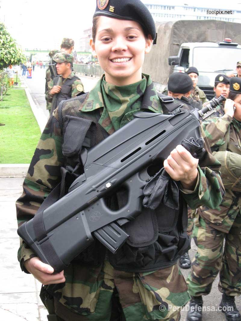 Девушки на службе в армии фото 29