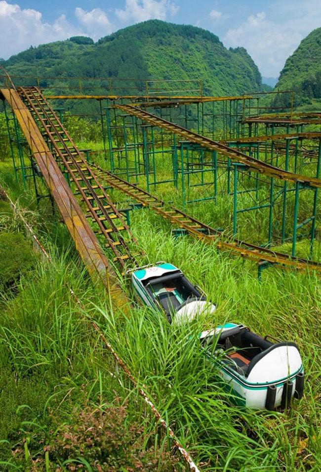 Заброшенные горки в провинции Хубэй, Китай заброшенное, природа, разрушение, цивилизация