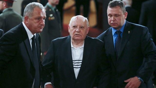 Награжденный немцами Горбачев призвал Россию помириться с Западом