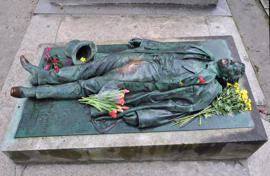 О кумирах и ритуалах на Пер-Лашез ( кладбище Парижа)