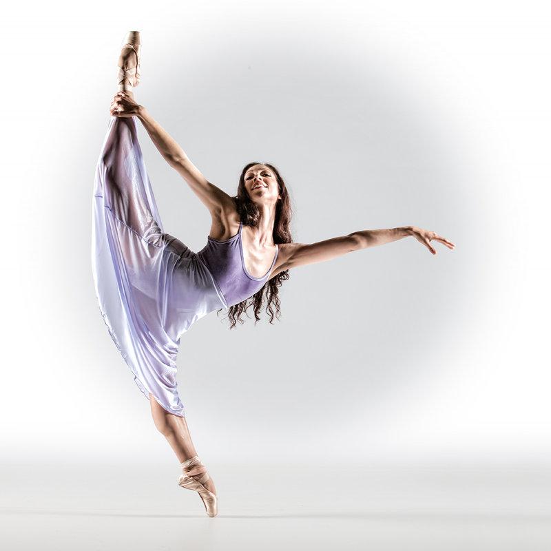 Балет, балет, балет, ты с давних пор  -  мой бог