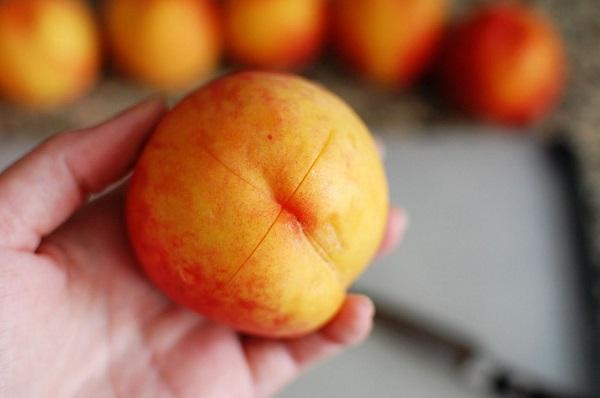 Теперь я буду чистить персик только так! Суперовый лайфхак.