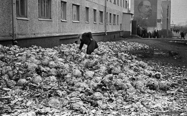 Всем, кто скучает по СССР. Вспомните, каким он был