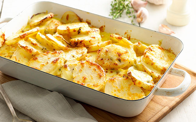 Пикантный картофель, запеченный в молоке с тмином: вкусно, просто и быстро!