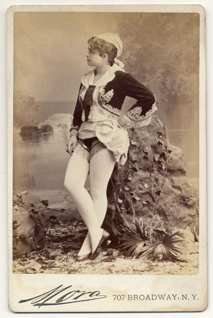 Танцовщицы бурлеска викторианской ...: s30696534344.mirtesen.ru/blog/43676159926/tantsovschitsyi-burleska...