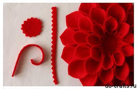 Брошь цветок из фетра 7