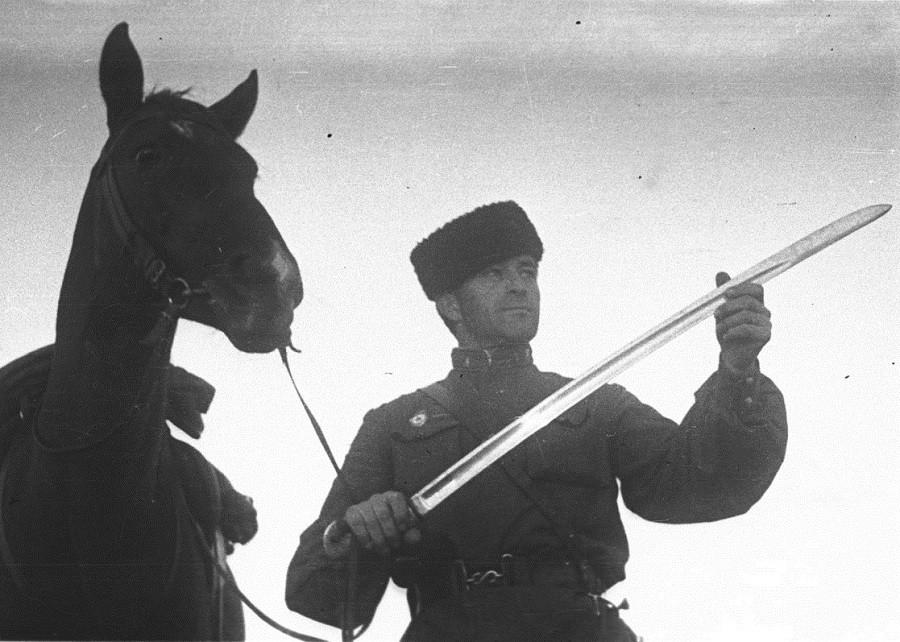 Как красная кавалерия воевала против немецких танков вов, красная конница
