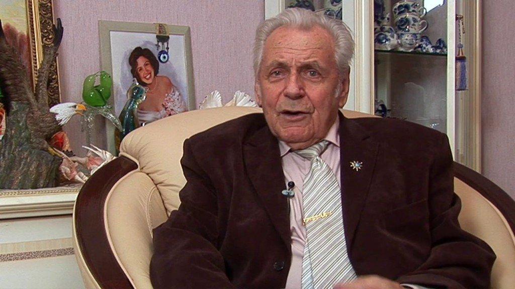«Человек мог бы жить до 280 лет»: секреты долголетия от доктора Неумывакина
