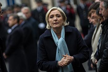 Марин Ле Пен ЕП намерен лишить депутатской неприкосновенности
