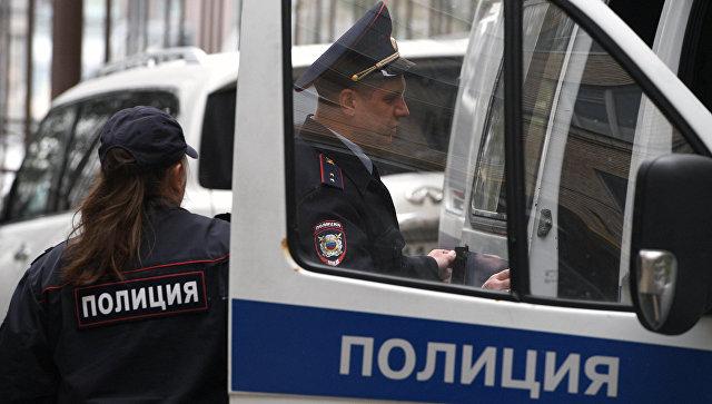В Москве двое неизвестных в медицинских масках пытались ограбить банк