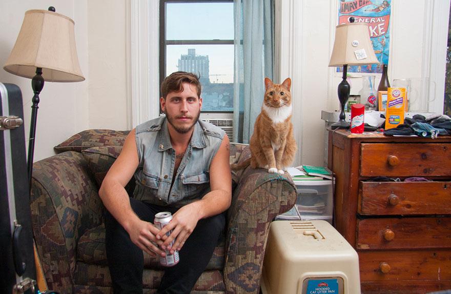 10 котов, ставших мужскими друзьями