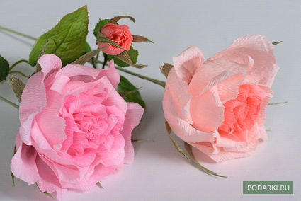 Роза избумаги сконфетой
