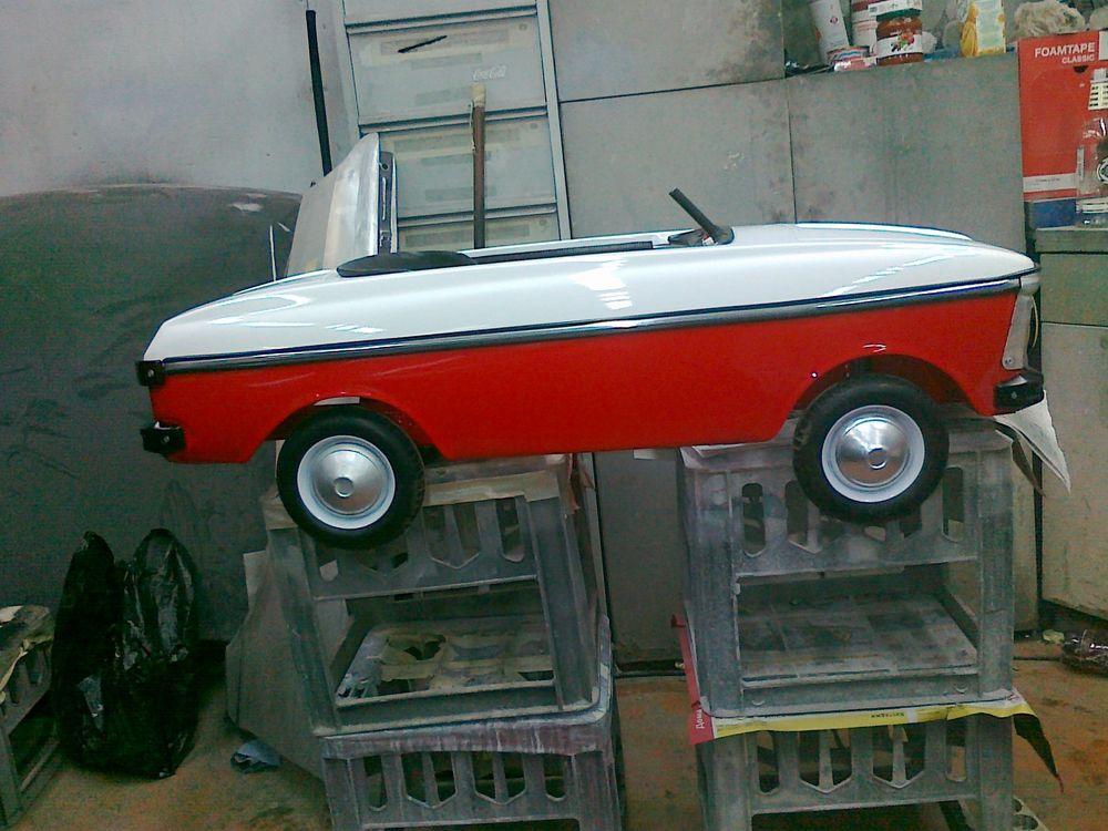 """Реставрация педальной машинки """"Москвич""""  1991 года восстановление, детская машинка, москвич, педальная машинка, реставрация"""