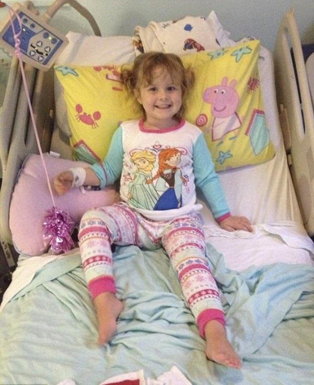 Мама этой девочки соврала врачам скорой помощи. В итоге это спасло жизнь ее дочери...