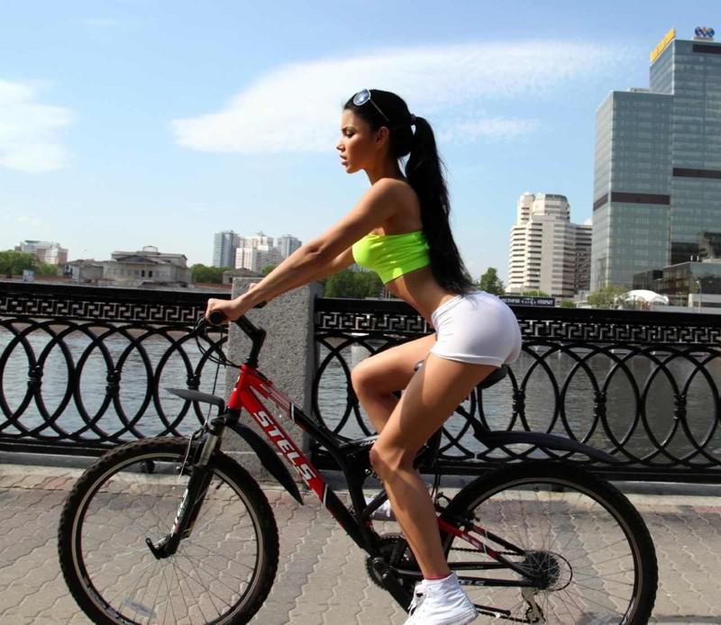 Девушка на велосипеде без седла фото фото 424-5