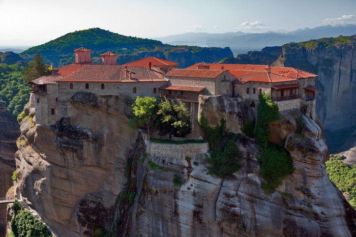 Фото Монастыри Метеоры, Греция. 30 (700x466, 68Kb)