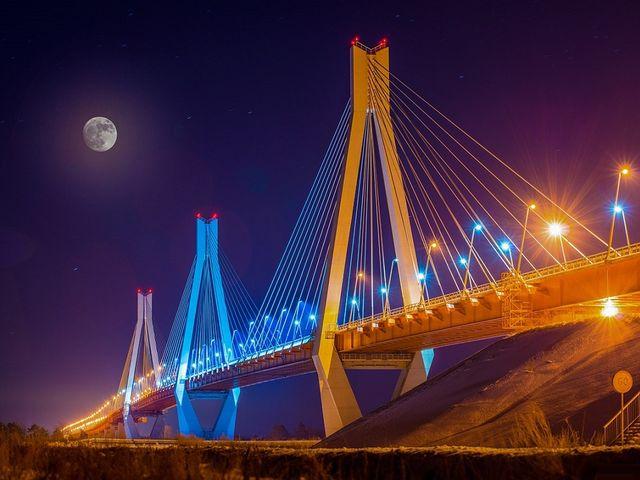 Человек моста — кто вытянул Россию из бездны