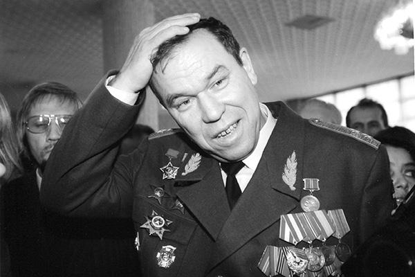 «Убийство Рохлина было отнюдь не бытовым». Депутат Верховного Совета Латвии Виктор Алкснис о 90-х годах