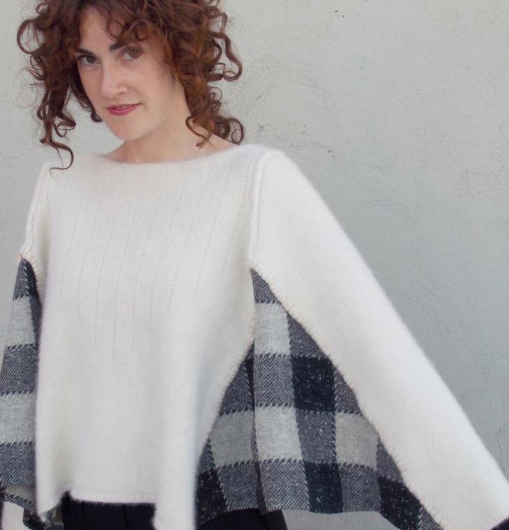 Пончо из свитера