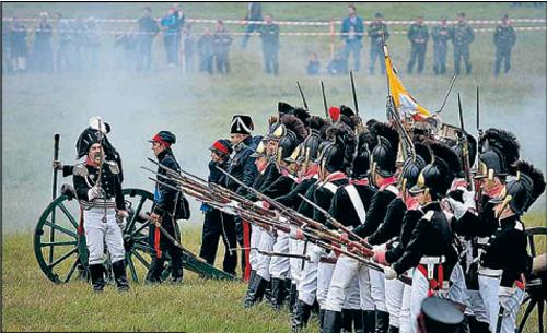 На Бородинском поле воюют и сегодня. Правда, понарошку.