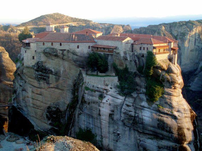 Фото Монастыри Метеоры, Греция. 29 (700x525, 74Kb)