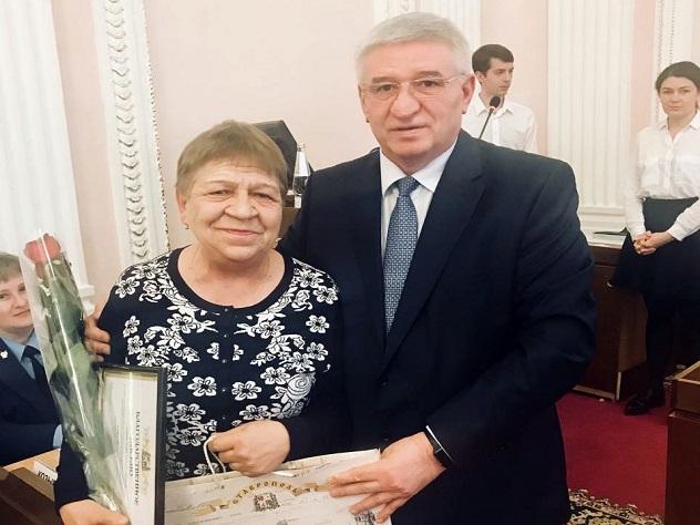 Охранница в Ставрополе спасла детей от неадеквата