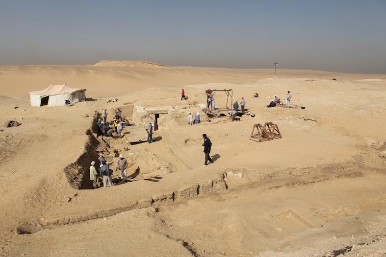 В Египте нашли деревянную лодку времён пирамид