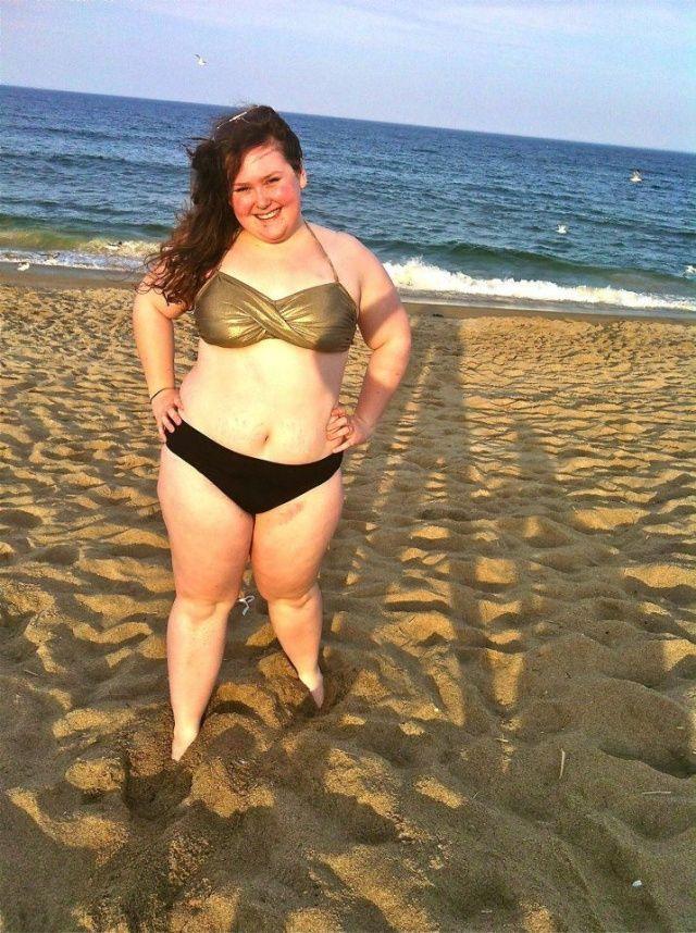 на женщина пляже пышка