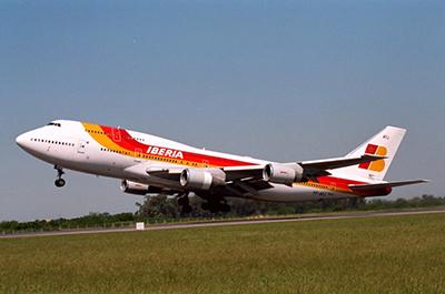 Iberia разрешила бесплатно п…