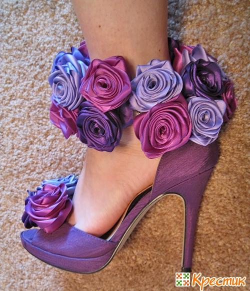 Розы из атласных лент и из ткани
