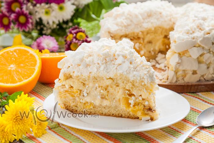 Апельсиновый торт с бисквитом, нежнейшим молочным кремом и безе