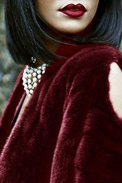 Роскошный выбор на весну  — пальто цвета марсала