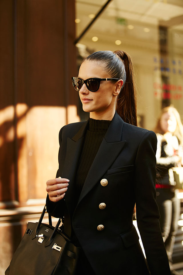 Неделя моды в Париже, весна-лето 2016: street style. Часть 1 (фото 18)