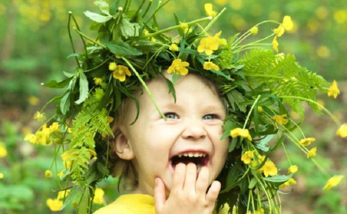 Чистый, искренний, живительный детский смех, наполняющий счастьем и искренней радостью.