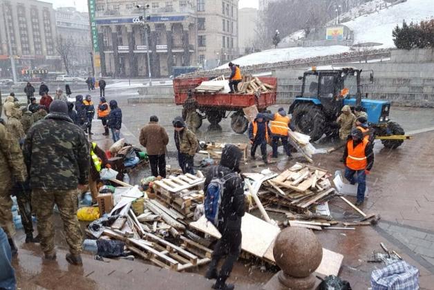 На Майдане убрали последнюю …