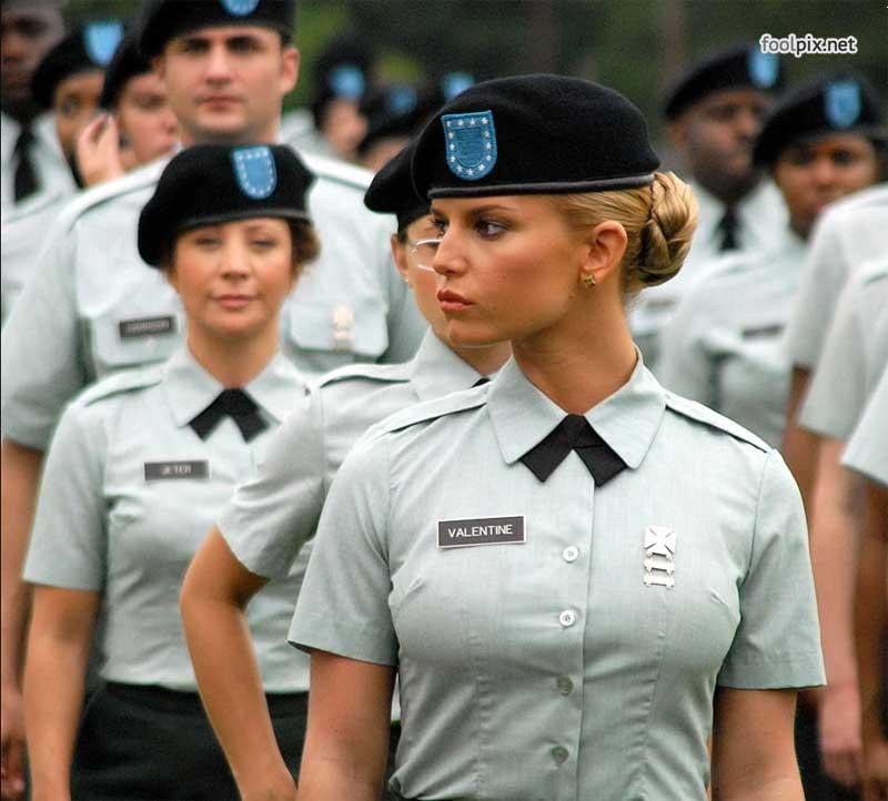 Девушки на службе в армии фото 41
