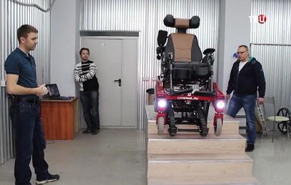 Житель Новосибирска создал инвалидную коляску, управляемую силой мысли
