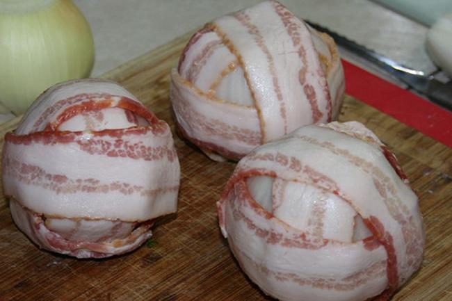 Луково-мясные мячики: блюдо, которое сразит наповал всех твоих гостей!