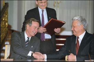 """В. Путин открыл правду: """"Ельцин сдал американцам все ядерные секреты России"""""""