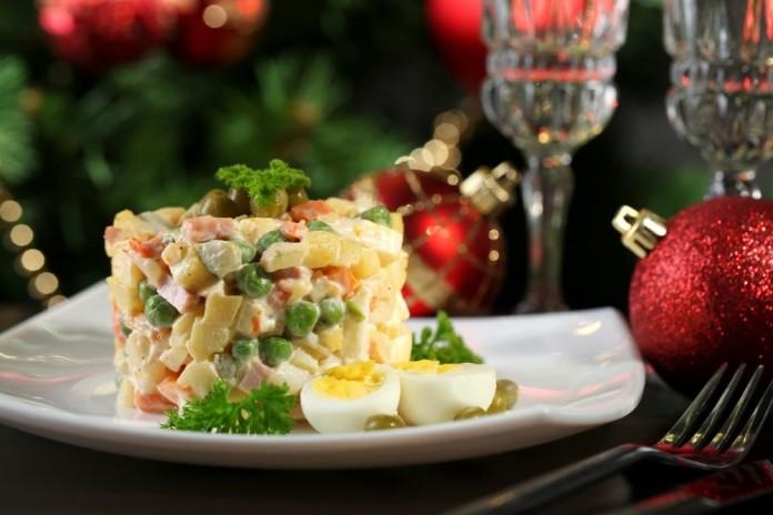 Салат на новогодний стол «Оливье по-королевски»